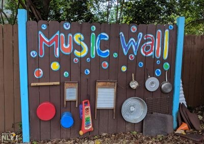 Acoustic play music wall