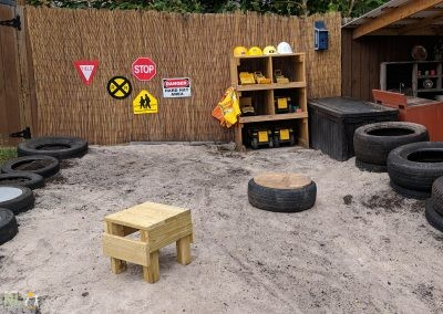 Earth play construction zone
