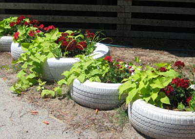 Painting Tire Planters