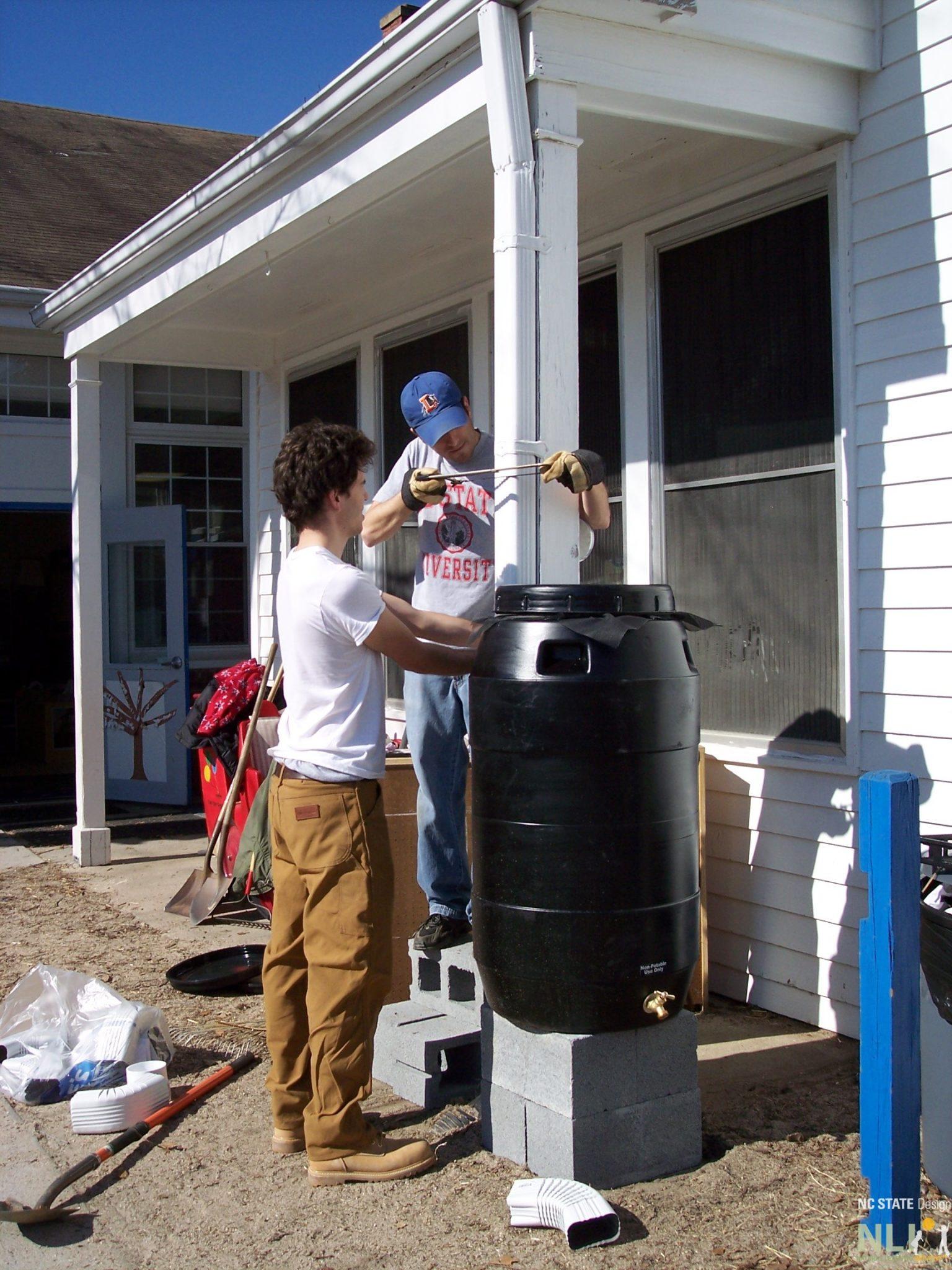 CSPU6-Rain Barrel Install012